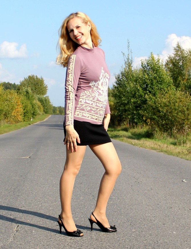25967627_dumb-blonde-polish-wife-in-pantyhose-sl-svm-010314008