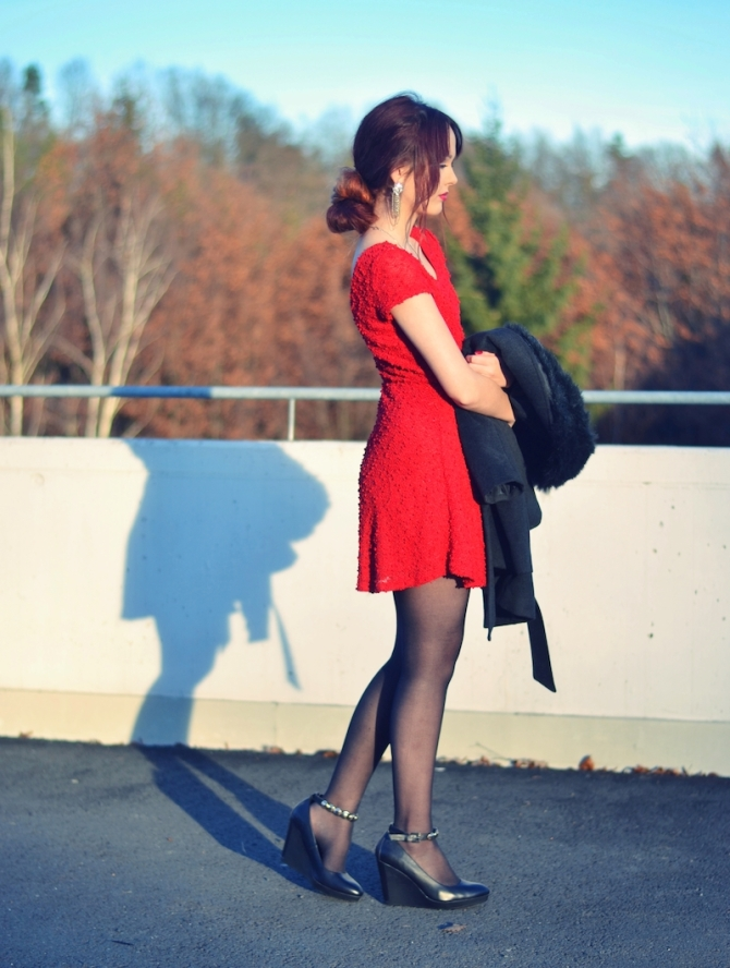 Weihnachts_Outfit_rotes_Kleid_elegant_Mantel_3
